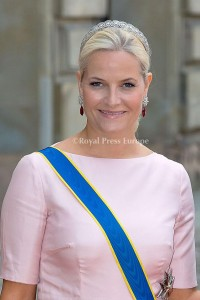 Crown Princess Mette Marit of Norway arrives for the wedding of Prince Carl Philip and former model Sofia Hellqvist in Stockholm, Sweden, 13 June 2015. The couple, who have been dating since 2009, announced their engagement a year ago. Photo: Albert Nieboer/RPE/NETHERLANDS OUT