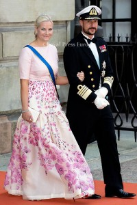Crown Prince Haakon and Crown Princess Mette Marit of Norway arrives for the wedding of Prince Carl Philip and former model Sofia Hellqvist in Stockholm, Sweden, 13 June 2015. The couple, who have been dating since 2009, announced their engagement a year ago. Photo: Albert Nieboer/RPE/NETHERLANDS OUT