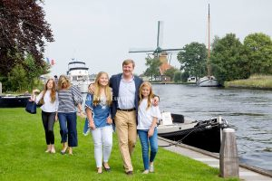 Royal Family of the Netherlands in Warmond1