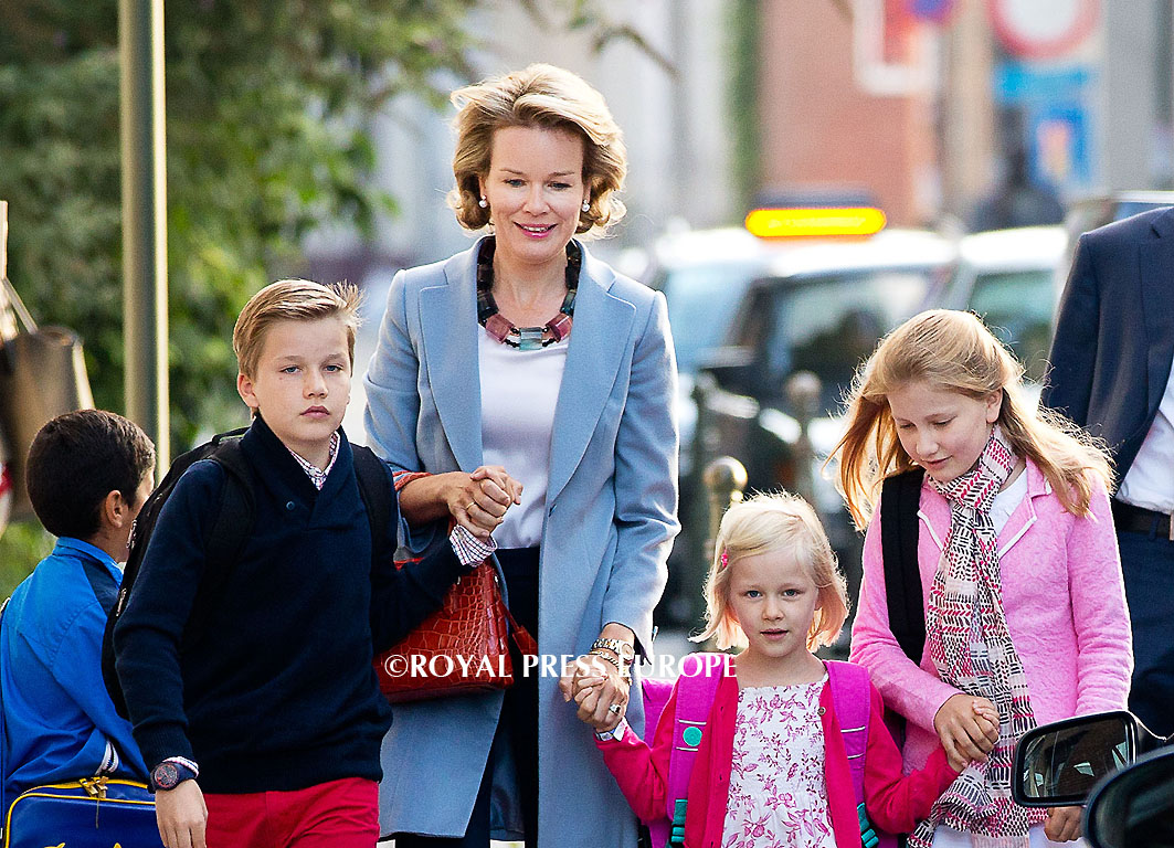 Queen Mathilde takes the kids on first day of school